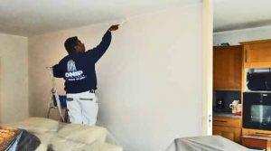 Comment peindre les murs sans toucher le plafond